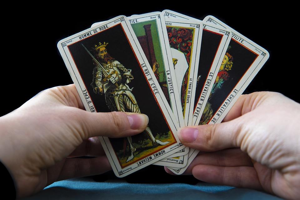 Lire les cartes, y croyez-vous?